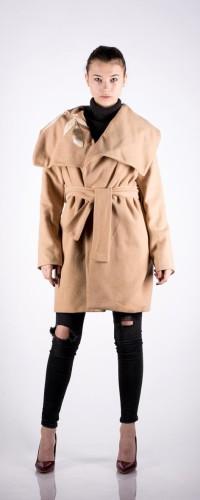 Palton din stofa cu insertii de piele si pictat manual