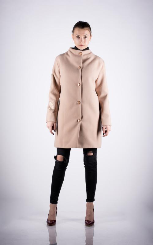 palton bej cu piele naturala